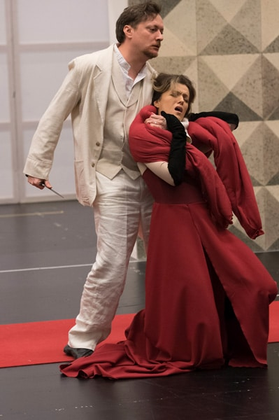 "GEORG NIGL AND CLAUDIA BOYLE rehearsing ""OREST""•Photo© DANIELLE LINIGER"
