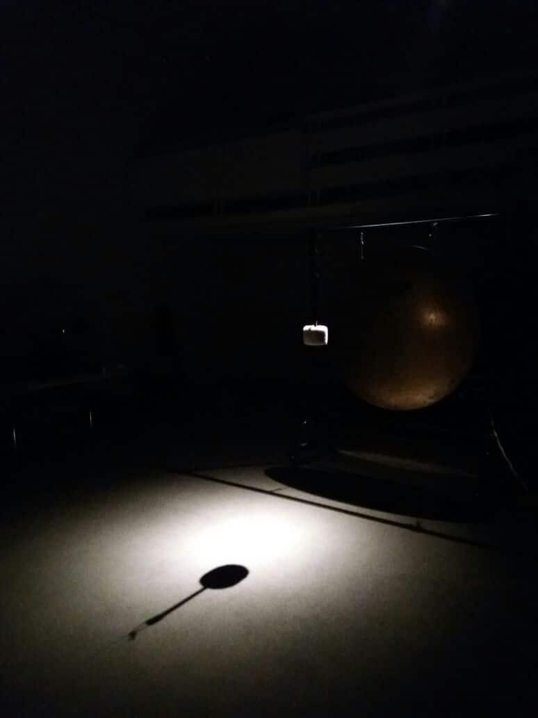 The setup ofan installation for gongs •PhotoJay Schwartz
