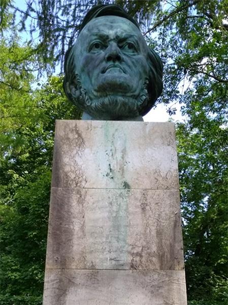 Breker's bust of Wagner • Photo Alison Kinney