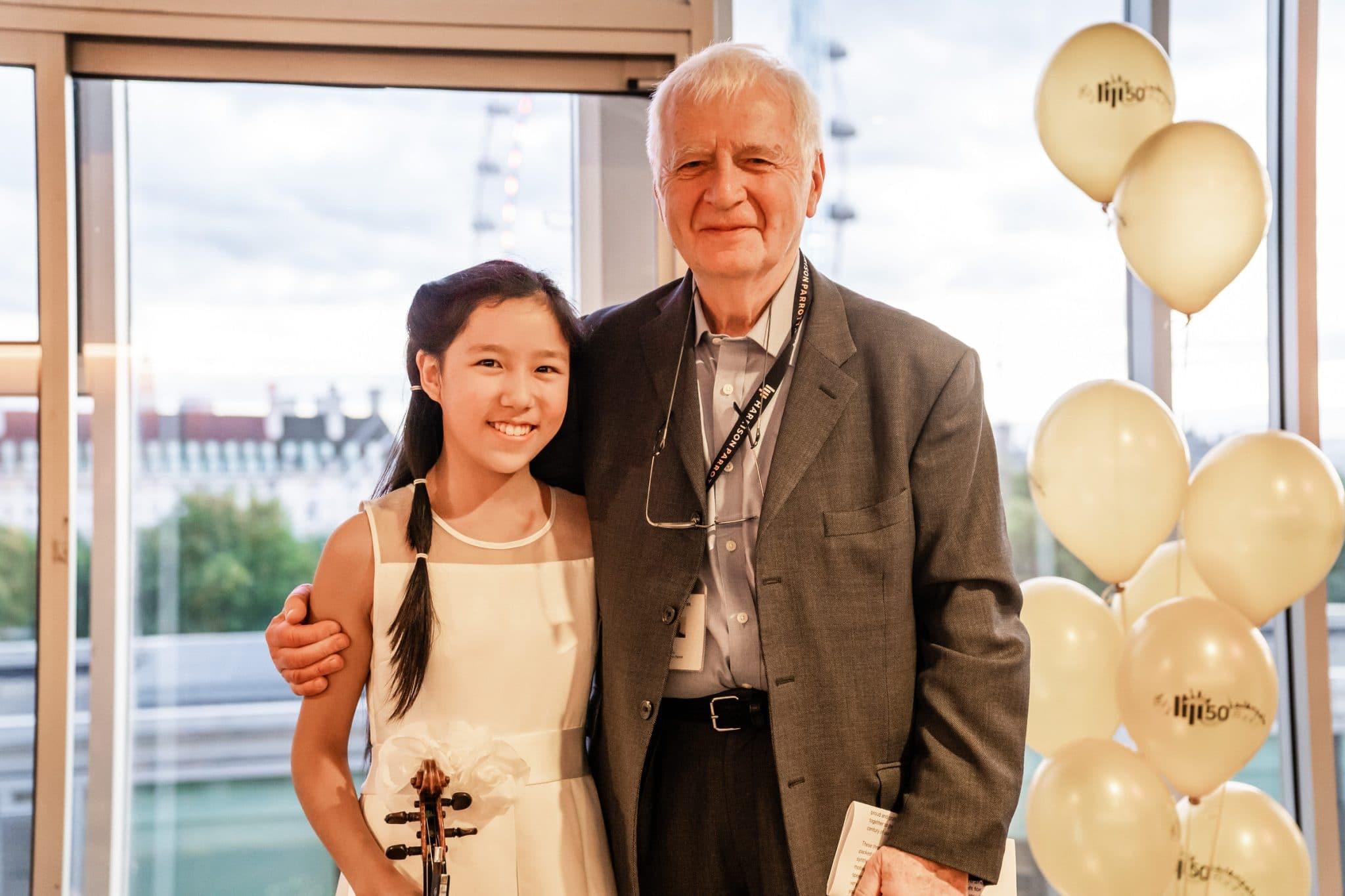 Jasper Parrott with violinist Leia Zhu