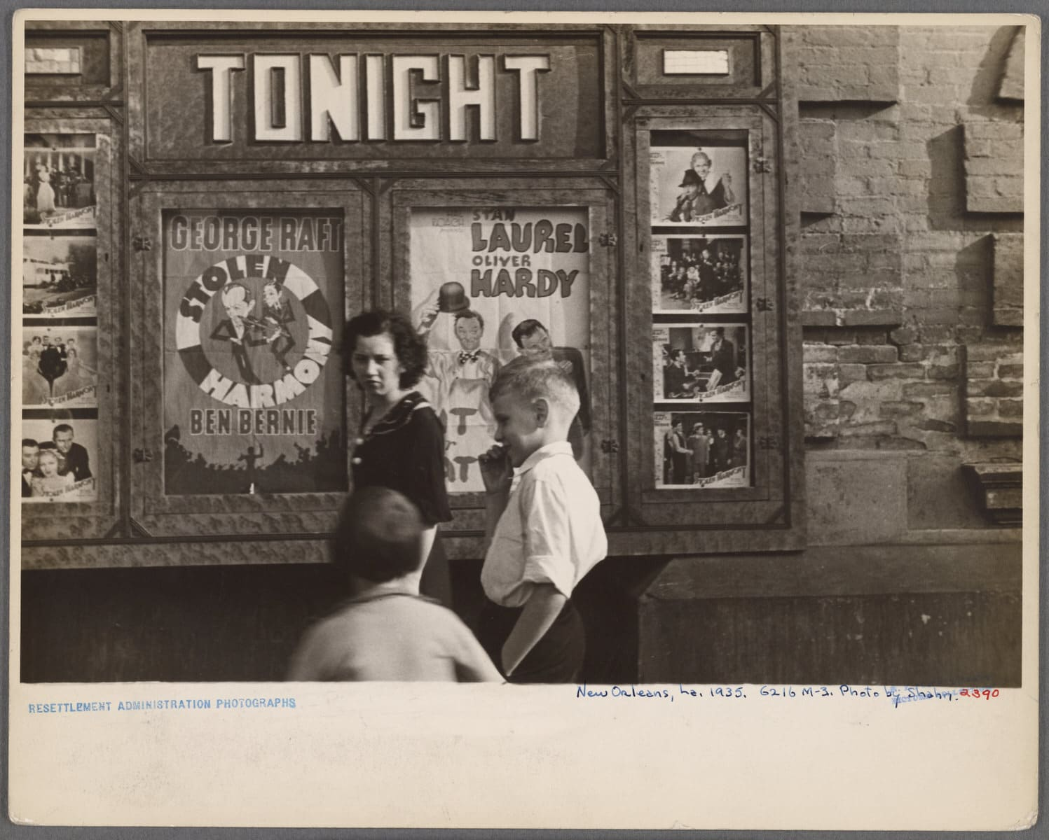 """The Miriam and Ira D. Wallach Division of Art, Prints and Photographs: Photography Collection, The New York Public Library. """"[Movie theater]. New Orleans, Louisiana"""" • PhotoThe New York Public Library Digital Collections. 1935 (Public Domain)"""