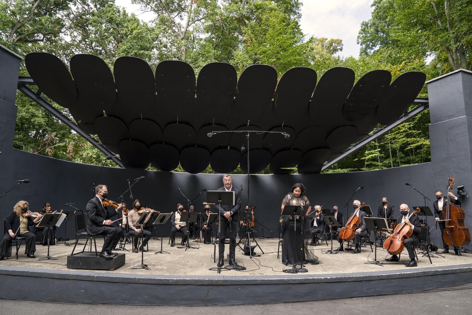 Liev Schreiber, Karen Slack, and the Orpheus Chamber Orchestra